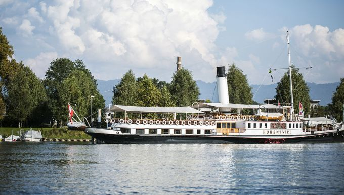 Luxury steamboat trips